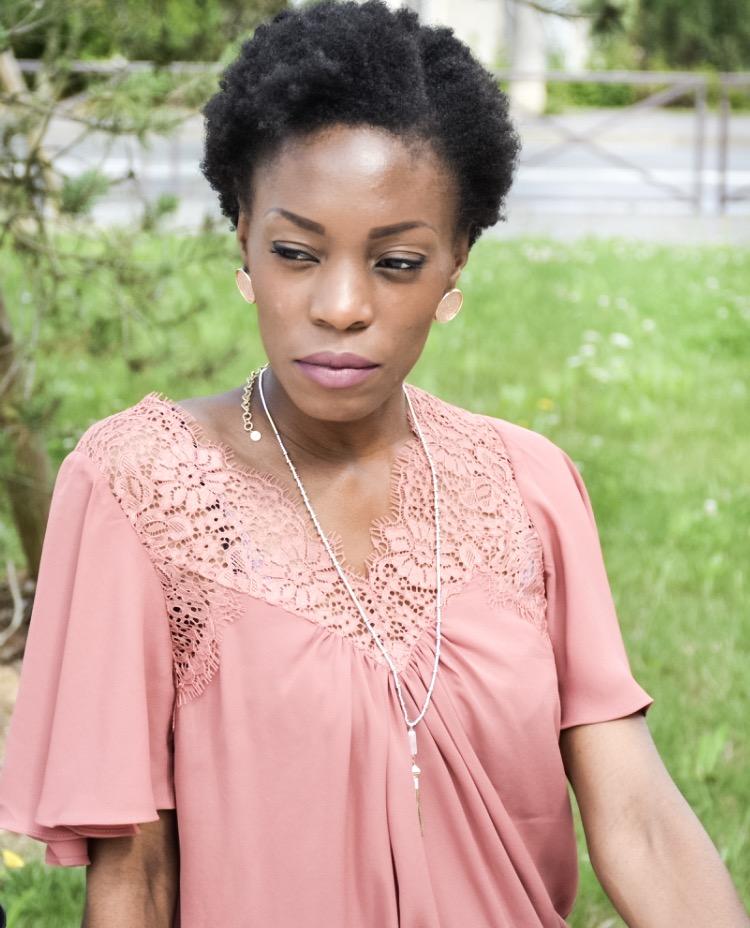 Cheveux crépus : 5 conseils pour un retour au naturel gagnant !